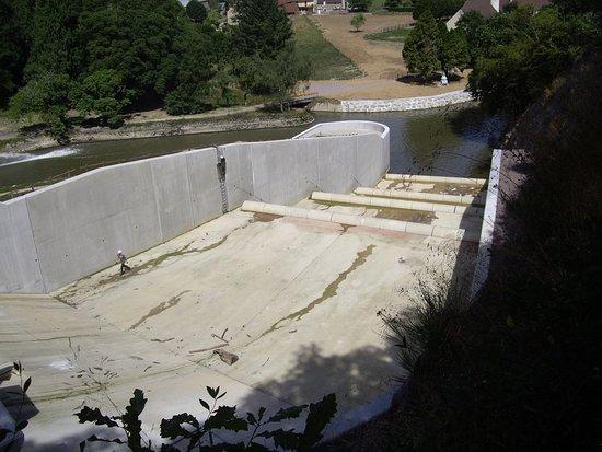 Barrage Du Lac De Pont Les Cascades Picture Of Lac De