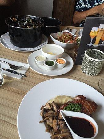 Photo of Modern European Restaurant 'T Land Van Wale at Hofweg 1, Heinenoord 3274 BK, Netherlands