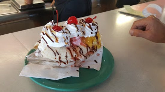 Mathews, VA: Best Banana Split - EVER