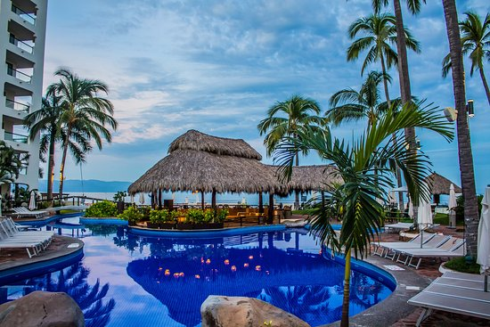 Plaza Pelicanos Grand Beach Resort: Alberca tipo infinity
