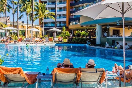 Sunset Plaza Beach Resort Spa Alberca
