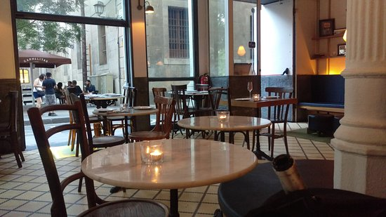 Carmelitas Tapas : salle du restaurant