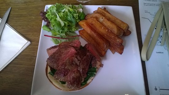 White Horse Chedgrave: Open steak sandwich