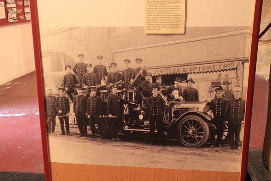 Mount Airy, Carolina del Norte: First Automotive Fire Engine