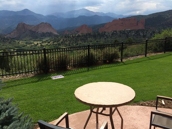 Garden of the Gods Club and Resort: Patio, table and chairs provided with each ground floor room.