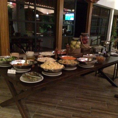 Restaurante Ni Fu Ni Fa: Para que disfruten de ensaladas multicolor
