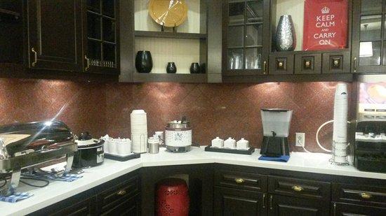 Hampton Inn & Suites Memphis - Beale Street: 20160814_061349_large.jpg