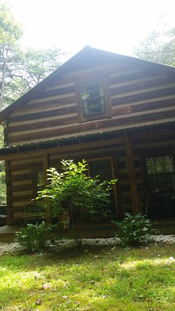 Great Escape Cabins - Hocking Hills Cabins of Choice : Front view of cabin
