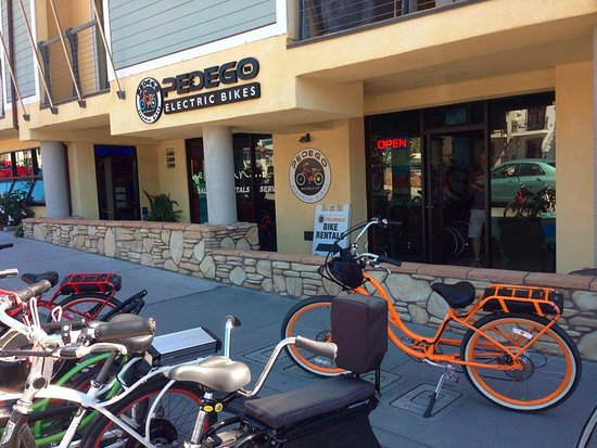 Avila Beach, Californië: outside electric bike shop