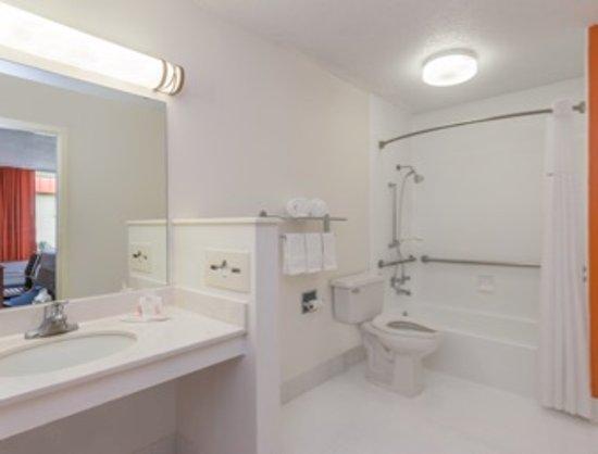Bainbridge, GA: ADA Bathroom