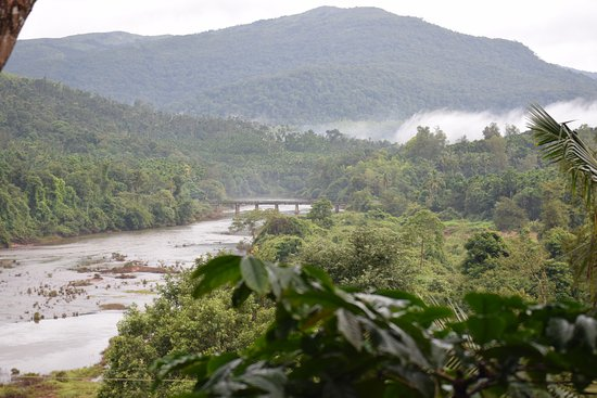 Kalasa, Indien: River View from Homestay dining