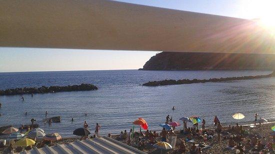 Spiaggia antistante Bagni Letizia - Picture of Bagni Letizia ...