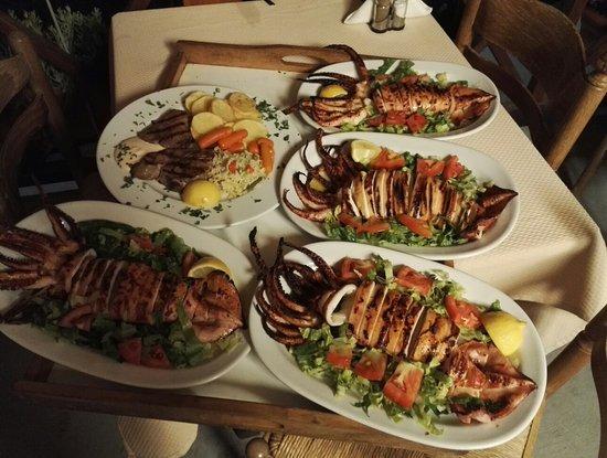 Simos Taverna: IMG_20160815_002200_large.jpg