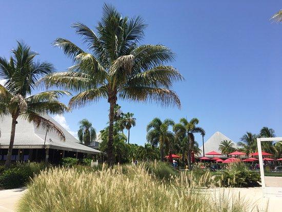 Port Saint Lucie, FL: Vue Extérieure depuis la plage du lac