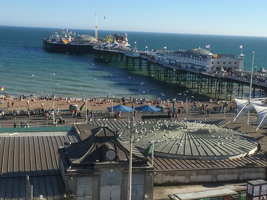 The Brighton Beach Hotel: View to Brighton Pier. Aquarium right down in front