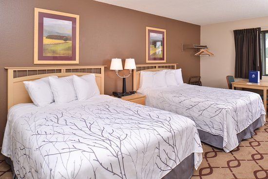 South Sioux City, NE: 2 Queen Beds