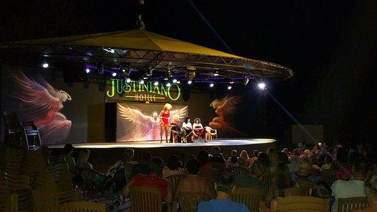 Justiniano Club Alanya: Вечернее шоу