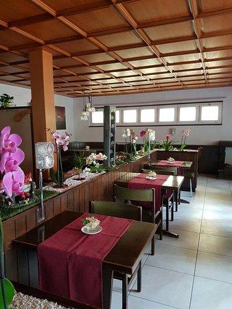 Meikirch, Schweiz: Restaurant Tea Room Chutze