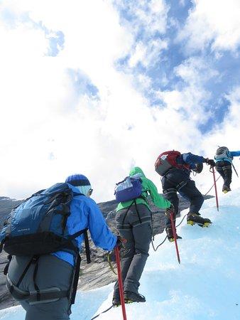 Município de Sogndal, Noruega: hiking on the glacier