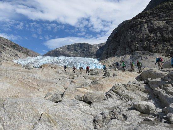 Município de Sogndal, Noruega: approaching the glacier