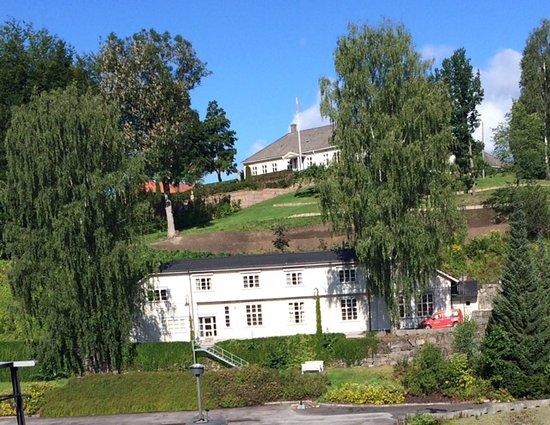 Telemark, Noruega: Dette er et anneks hvor du må bruke bilen for å komme til.