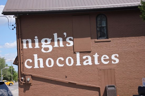 Stevensville, Canada: The sign of Nigh's Chocolates