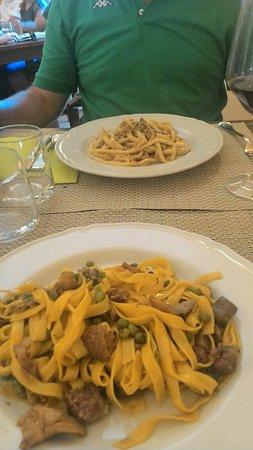 Giuliano di Roma, Italy: Primi fantastici (maccheroni ai ferri con ragù bianco di cinghiale,  fettuccine alla boscaiola e