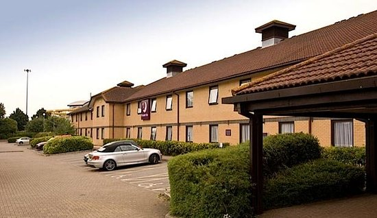 ‪Premier Inn Basingstoke West (Churchill Way) Hotel‬