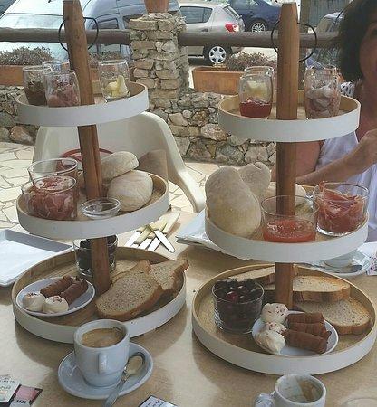 Posada El Parral: Estupendo desayuno!!!!