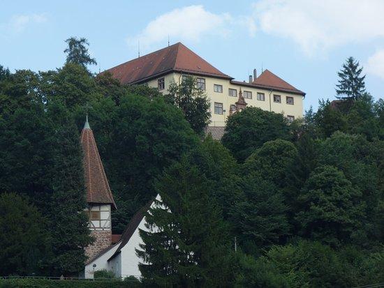 Neuenbuerg, Tyskland: Schloss Neuenbürg und St. Georgskirche