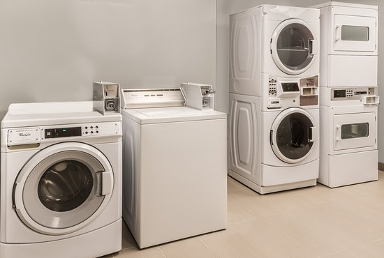 Williamsville, NY: Guest Laundry
