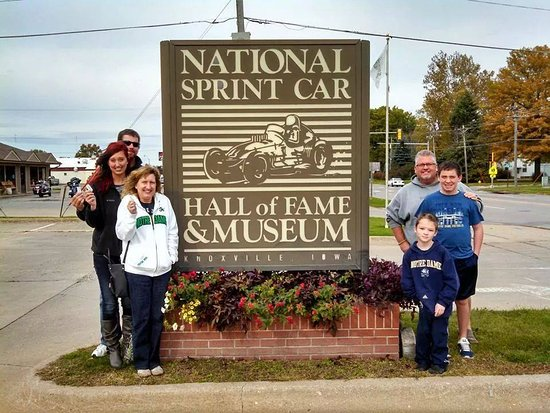 Knoxville, IA: Jackie Holmes Family