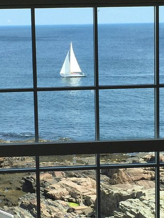 Cliff House Maine: Watch the boats sail by