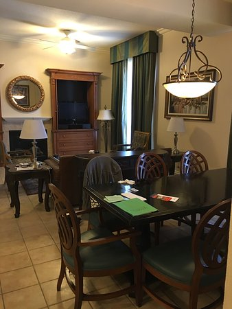 3 bedroom presidential unit in tower 3, room 1585. - picture of