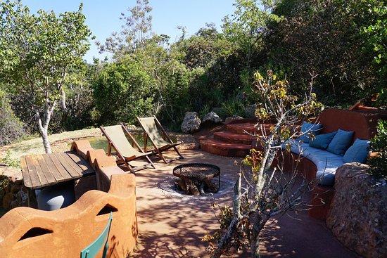 Louis Trichardt, Zuid-Afrika: Terrasse mit Pool Mwedzi Suite