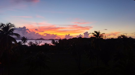 Caneel Bay, سانت جون: Beautiful Sunsets! Great Service!
