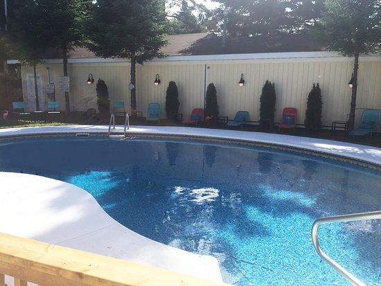 Northridge Inn & Resort: Pool area