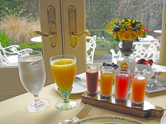 Washington, VA: Breakfast Smoothie Quartet - Changes Daily