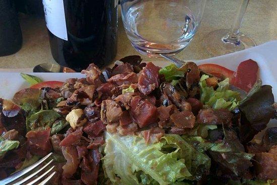Miramont-de-Guyenne, Francia: Salade périgourdine