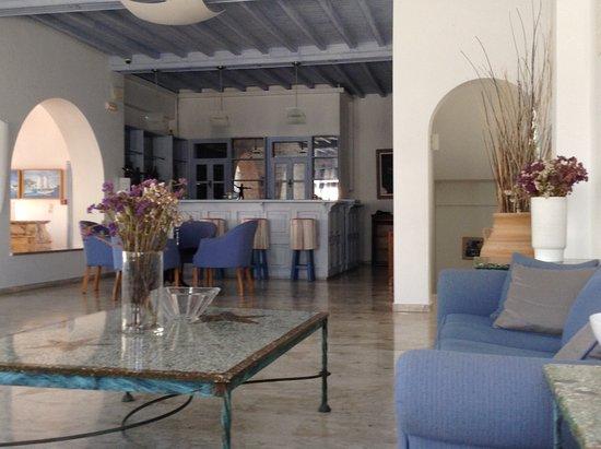 Poseidon Hotel - Suites: Reception area