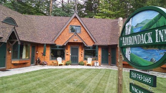 Schroon Lake, Нью-Йорк: The Adirondack Inn