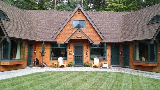 Schroon Lake, NY: The Adirondack Inn