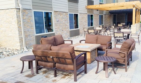 Saint Cloud, MN: Patio/Fire Pit