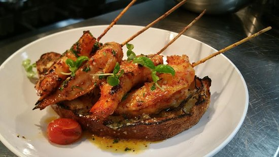 "Englewood Cliffs, Nueva Jersey: ""Angry"" Shrimp Skewers"
