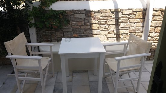 Aegeo Inn : Outdoor area.