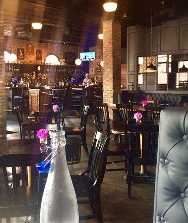 Independent Bar & Kitchen, Dallas - Restaurant Reviews & Photos ...