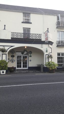 Leenane Hotel: TA_IMG_20160815_202243_large.jpg