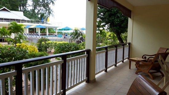 Acajou Beach Resort: terrazzo e vista piscina
