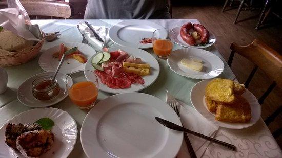 Kamnik, Slovenien: Colazione
