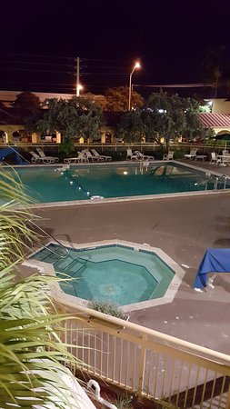 La Quinta Inn Ft. Lauderdale Northeast: Pool and Hot Tub